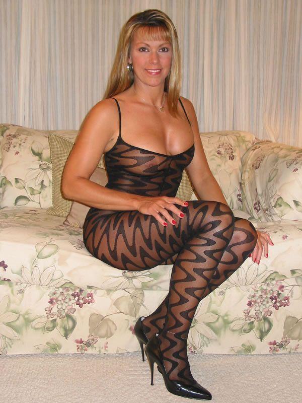 Sexy Mature Women. http://hookamilf.com   Mature beauty ...
