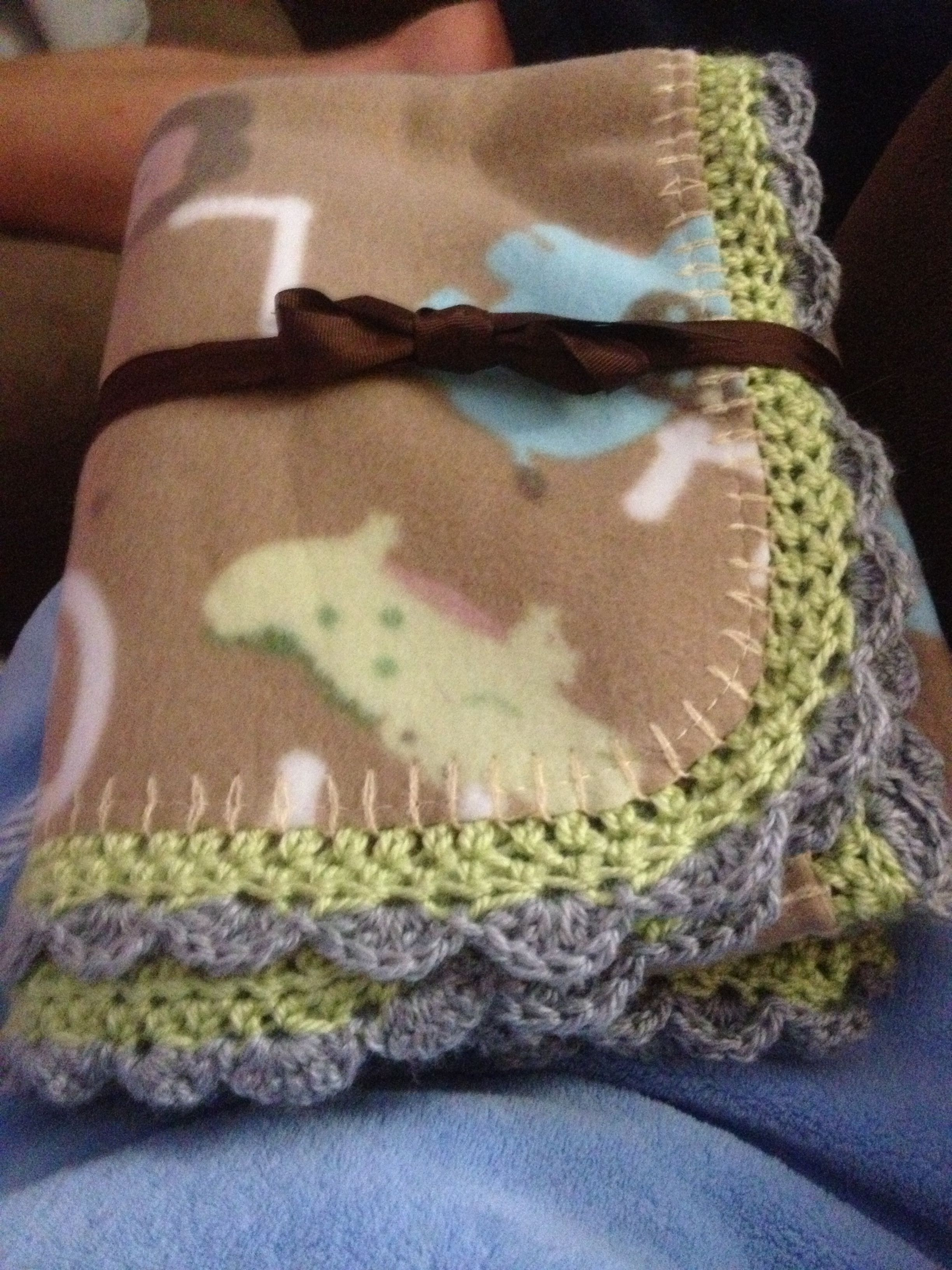 Fleece blanket with crochet edging Craft Ideas Pinterest