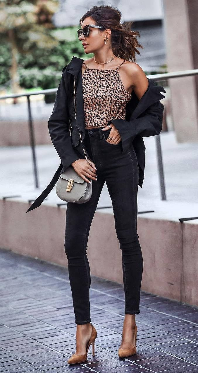 stylish look / leopard top jacket bag black skinnies heels