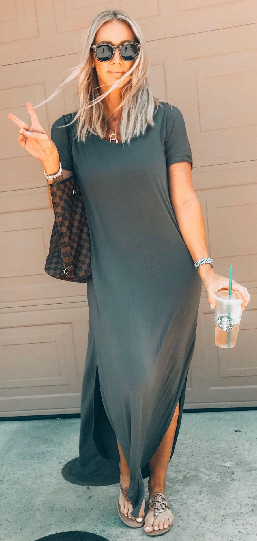 gray short-sleeved dress #summer #outfits