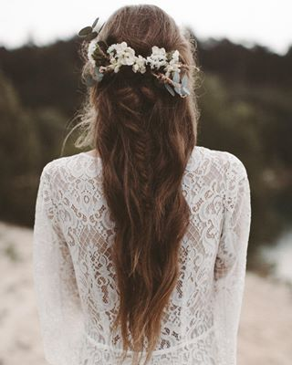 "Starting the day with a dreamy bridal hairinspo and our gorgeous W I L L O W gown weareinlove<p><a href=""http://www.homeinteriordesign.org/2018/02/short-guide-to-interior-decoration.html"">Short guide to interior decoration</a></p>"