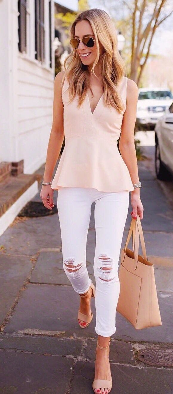 beige V-neck sleeveless blouse #spring #outfits