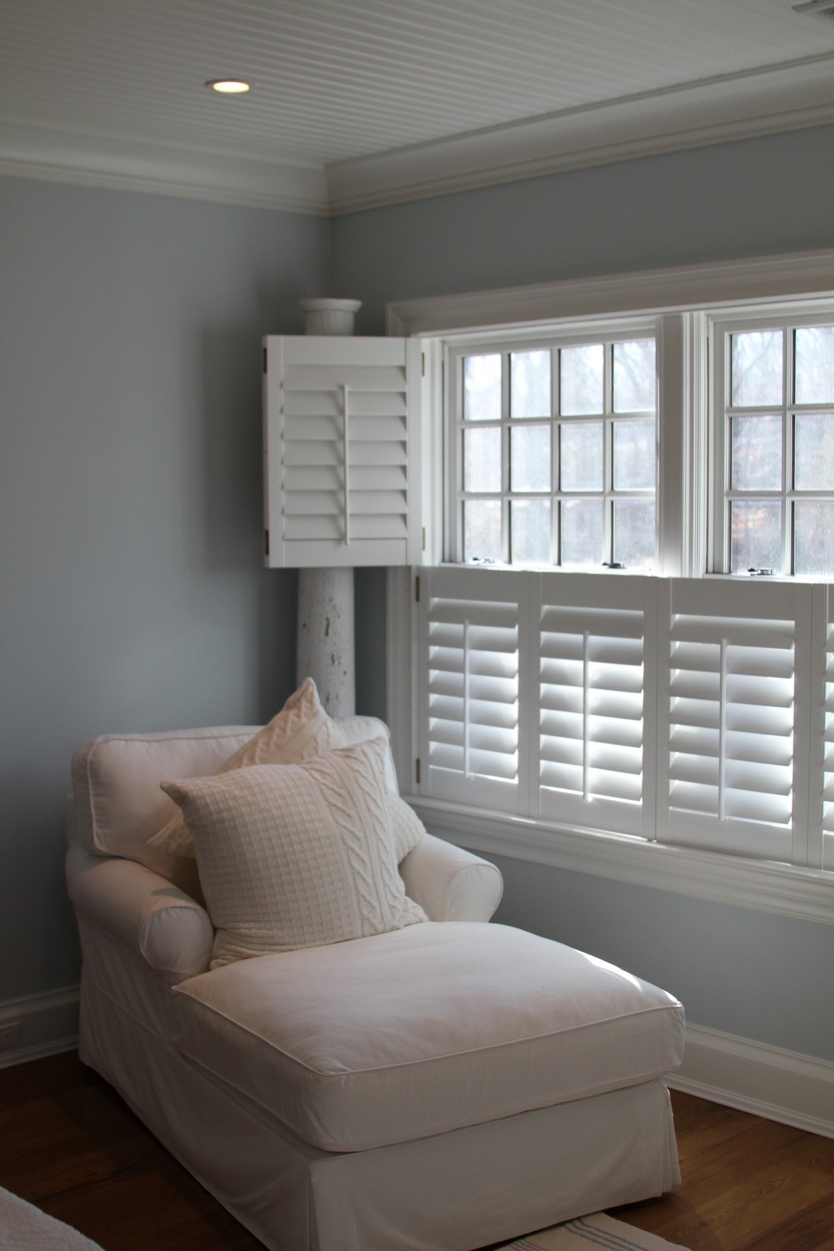 white plantation shutters look stunning with the white. Black Bedroom Furniture Sets. Home Design Ideas