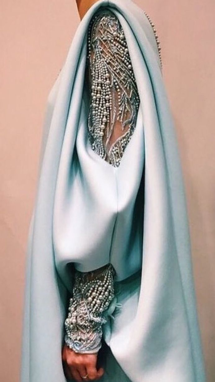 The epitome of luxurious detail #fashiondesigner #fashiondesigning #fashiondetails #womenswear #style #fashion #fashionlover #sewinginspiration #sleevedetail