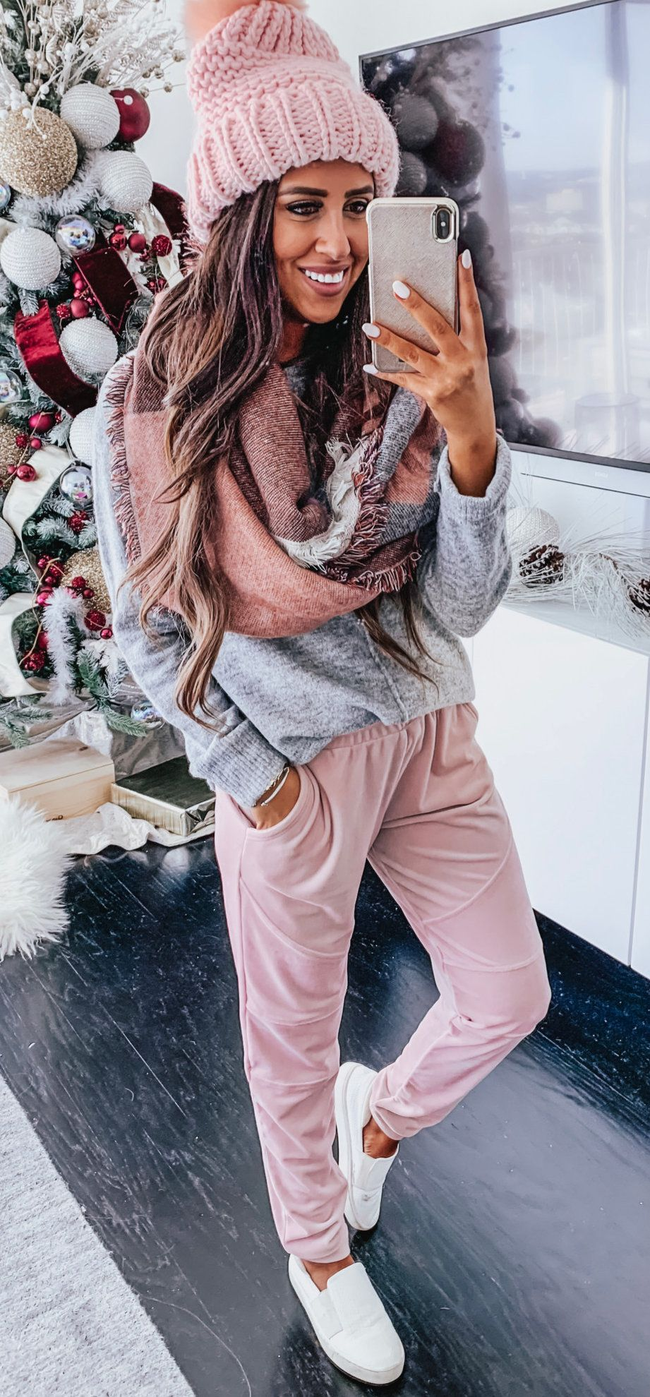 gray sweater and pink pants