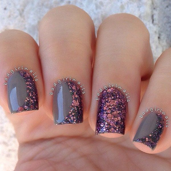 Chrome polishes and sequins winter nail art design. Give more sparkle to your nails by adding half moon sequins in pink and blue hues on top of your chrome base color.