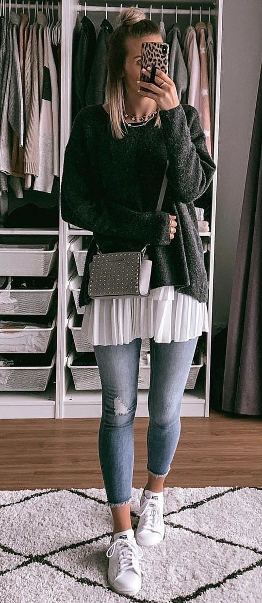 gray sweater and blue jeans outfit #spring #outfits