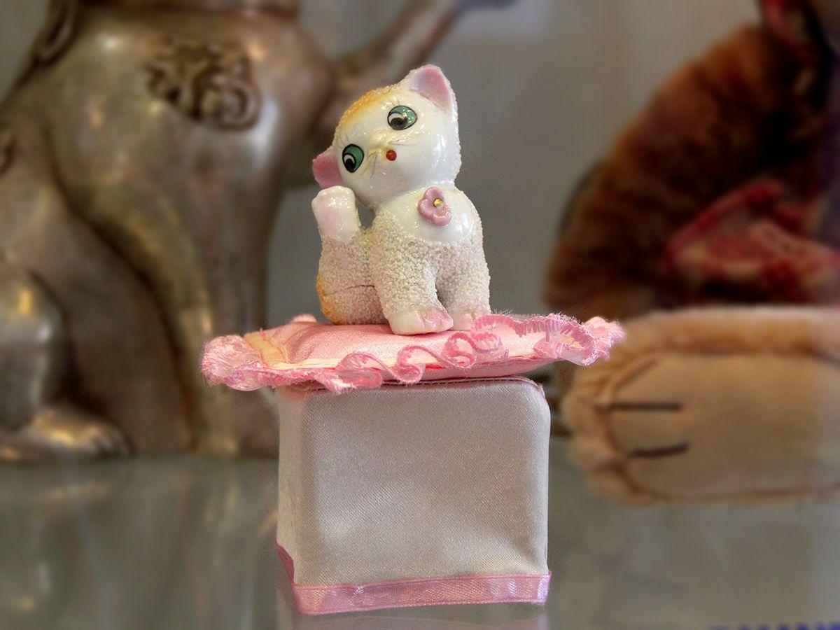Первая кошечка коллекции, подарена в 1985 году. Фото: Evgenia Shveda