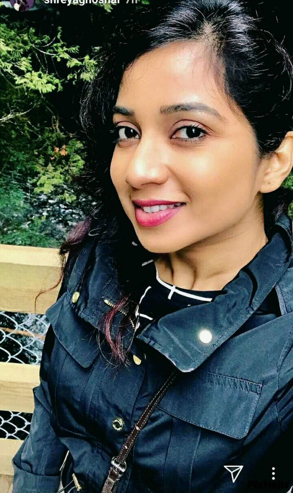 ID number of this content that belongs to the category ofShreya Ghoshal Wallpapers 142522