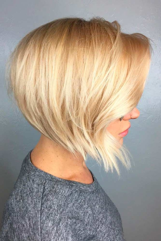 Short Choppy Inverted Blonde Bob #shorthairstyles #blondehair ★ All the inverted bob hairstyles: stacked, choppy, short, curly, with side bangs, with layers, are gathered here! #glaminati #lifestyle #invertedbob