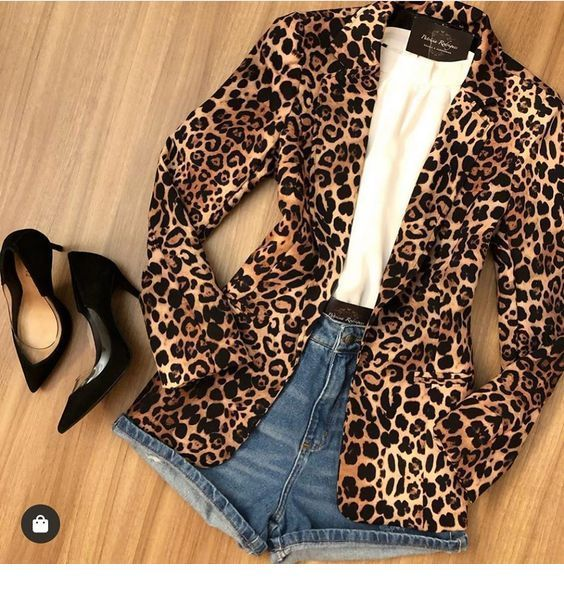 Leo blazer and short jeans
