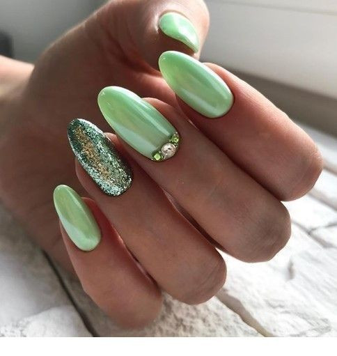 Awesome light green nails style