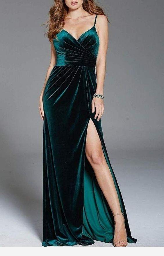 Chic long velvet green dress