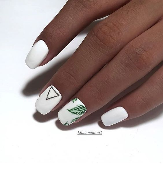 White nails with minimal nail print