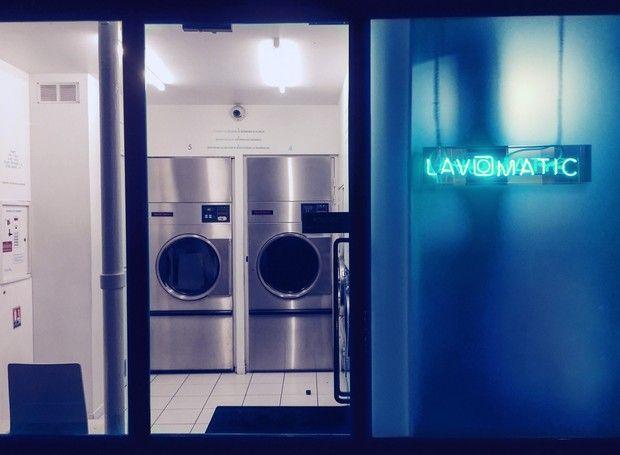 Divertido, bar fica escondido em lavanderia de Paris