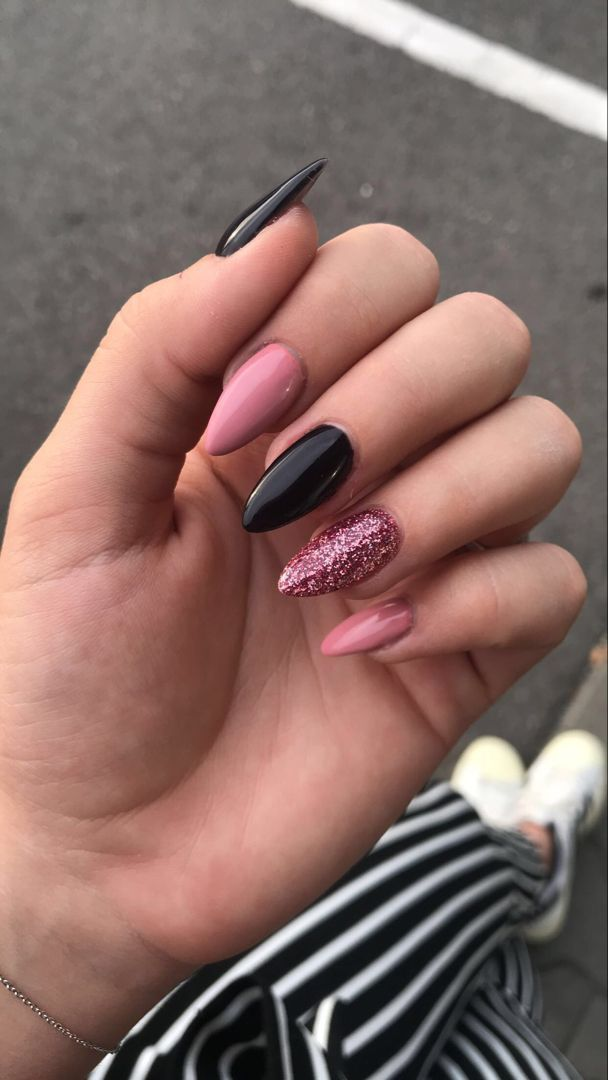 The Deep Winter Nail Art Designs are so perfect for 2019! Hope they can inspire you and read the article to get the gallery. #WinterNails #JeweNails – E2k Fashion