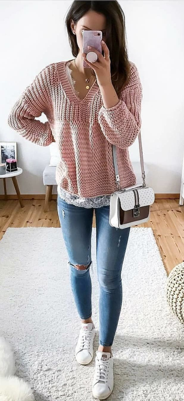 pink sweater and blue denim pants #spring #outfits