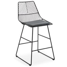 This metal bar stool is perfect for spring and summer entertaining! so cute!
