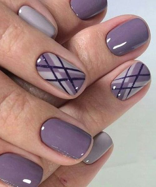 Graceful nail art in purple colors and stripes