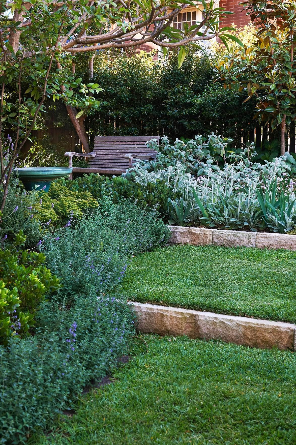 Sydney architect Hugh Burnett shares his top tips for creating a soft, flowing garden with pretty perennials that change with the seasons.