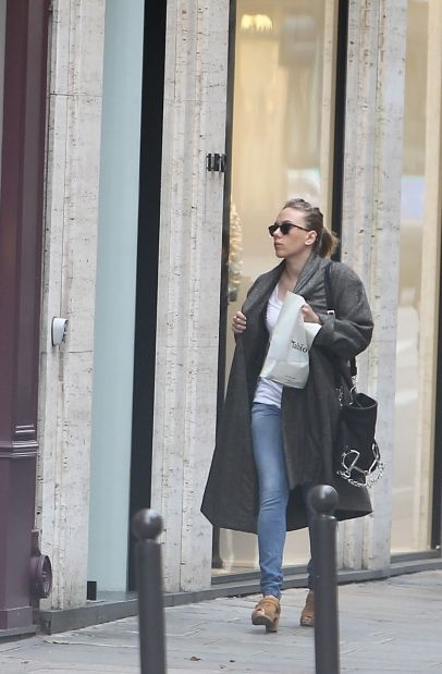 Scarlett Johansson Street Style 50 Best Outfits Celebrity Style And Fashion Trends