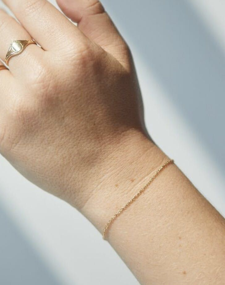 10 Minimalist Jewelry Pieces We Love (P.S. They Also Make Great Gifts)