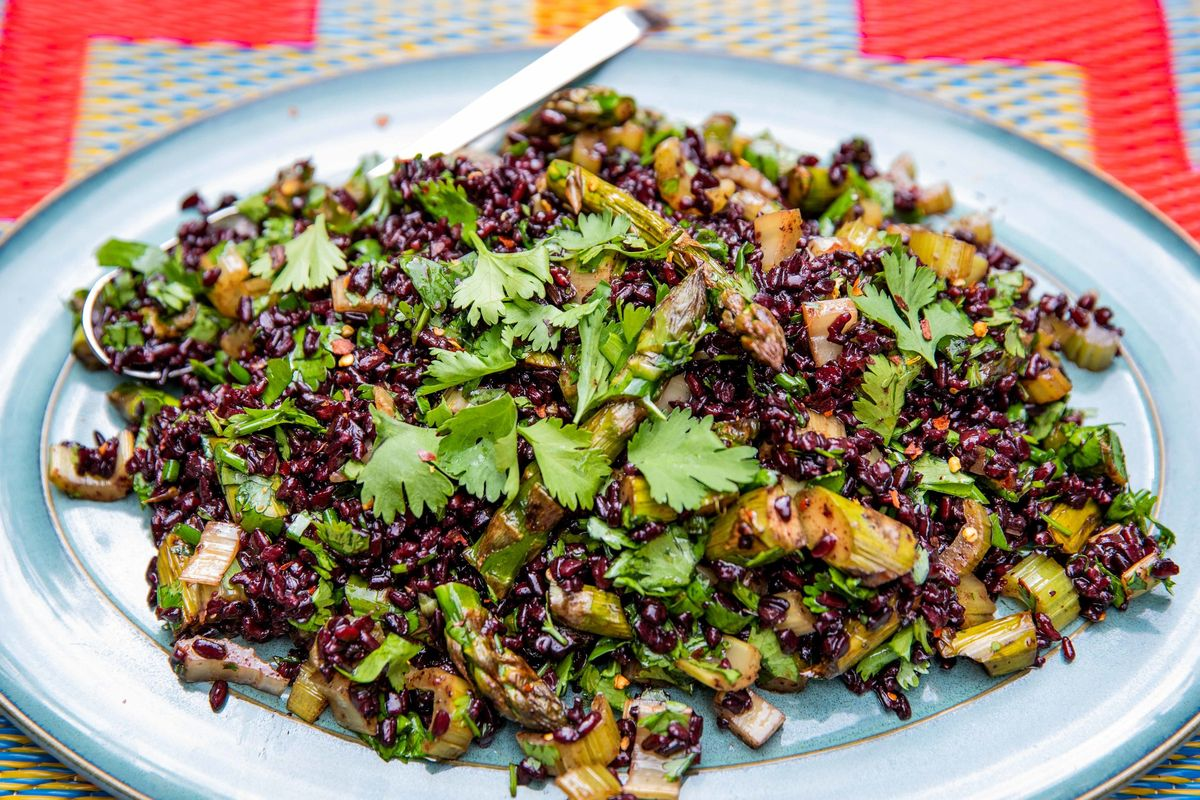 Black rice bbq salad | veggie | JasmineHemsley.com