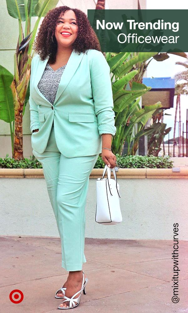 Take your work outfits from basic to boss with comfy business casual ideas, cute blazers & wear-to-work pantsuits.