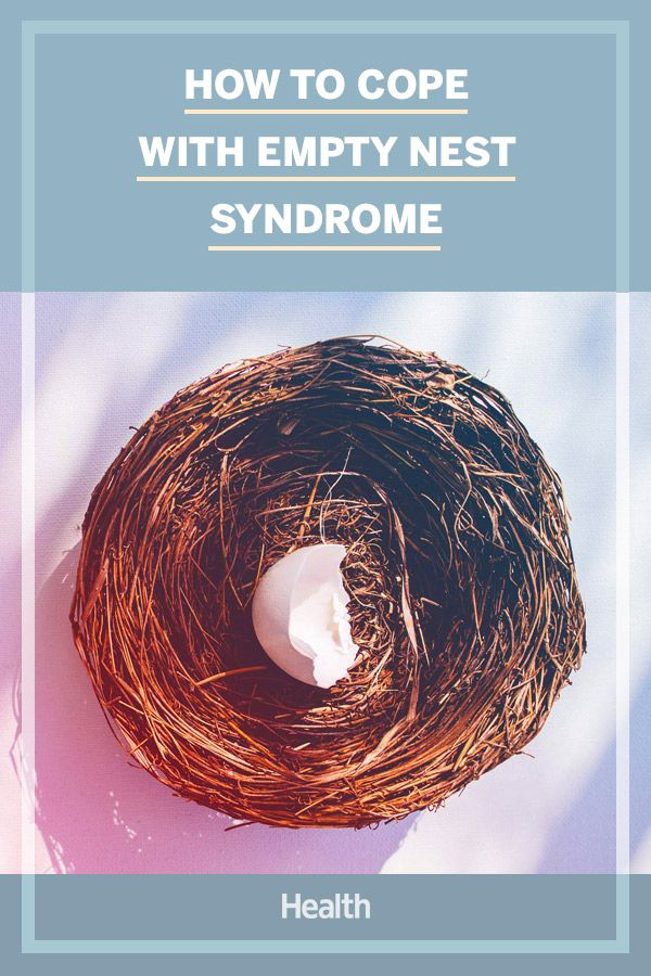 What is Empty Nest Syndrome? A Family Therapist Explains Symptoms and How to Cope