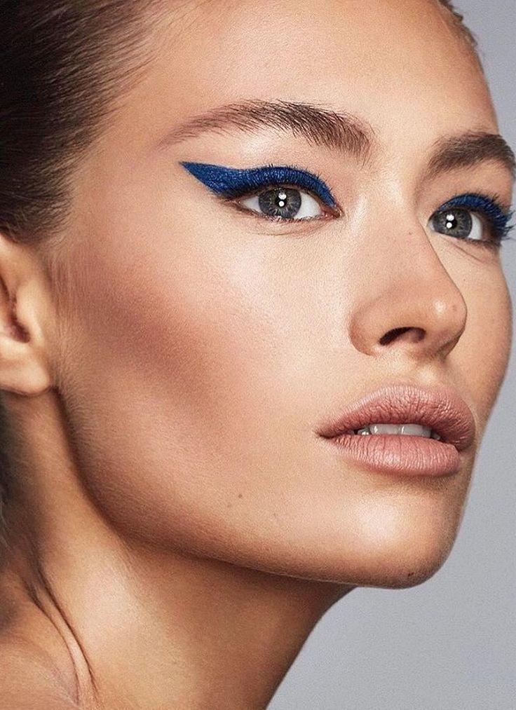 Cobalt blue winged eye makeup look created using Pat McGrath Labs 'Dark Star 006 UltraViolet Blue' eyeshadow kit | Makeup by @hannahschell on Instagram | Bold cat eye makeup | #patmcgrathlabs @patmcgrathreal #BlueEyeshadow