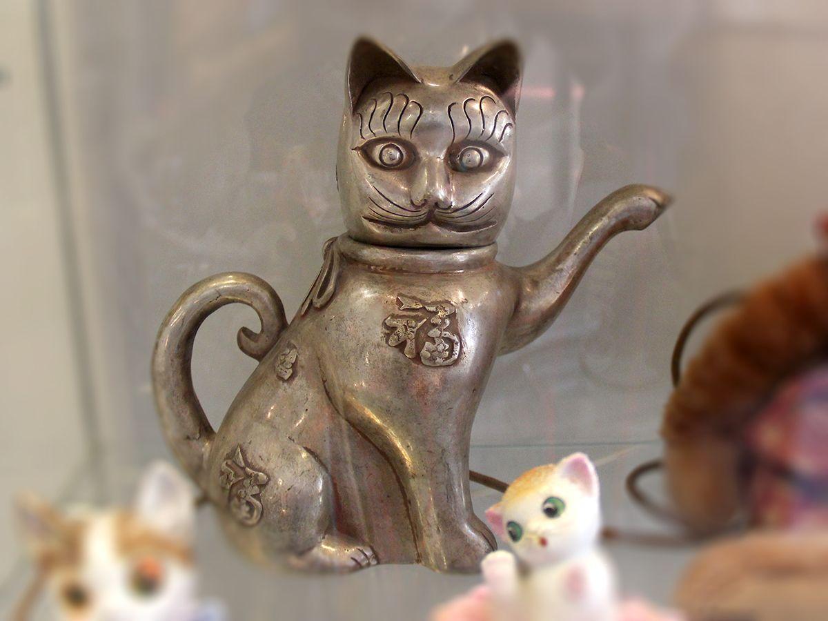 Чайник в виде кота, сплав, серебро, Китай, XIX в. (музей «Мурариум»). Фото: Evgenia Shveda