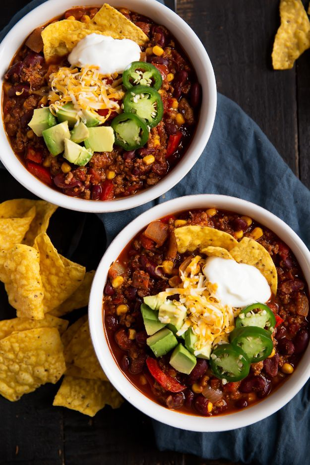 Ground Turkey Recipes - Best Healthy Turkey Chili - Healthy and Easy Turkey Recipe Ideas for Dinner, Lunch, Snack - Quick Crockpot and Instant Pot, Casserole, Meatballs, Pasta and Burgers - Keto Friendly and Low Carb, Paleo, Gluten Free #turkeyrecipes
