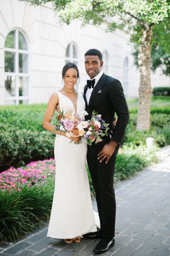 Ohh la la! This luxurious black tie Dallas wedding beautifully captured by Jeff Brummett Photography is drop. dead. gorgeous. Bursting with vibrant colors, luxe details and massive blooms this styled shoot has us swimming in wedding inspiration. Dallas wedding vendors got together to create not just one, but TWO stunning and romantic looks that we are officially obsessed with. This black tie affair at Hotel Crescent Court has us begging for more! View full post >>