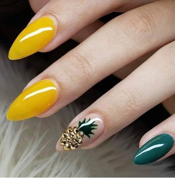 Glam yellow and green nails with pinapple