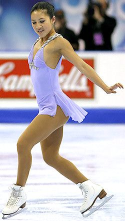 Lorelai references Michelle Kwan when discussing Thanksgiving with Rory.