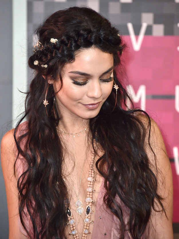 """I love Vanessa! Love this Makeup Look! This is my <a class=""""pintag"""" href=""""/explore/1/"""" title=""""#1 explore Pinterest"""">#1</a> favorite makeup look on Vanessa and the hair is life. So pretty ❤️<p><a href=""""http://www.homeinteriordesign.org/2018/02/short-guide-to-interior-decoration.html"""">Short guide to interior decoration</a></p>"""