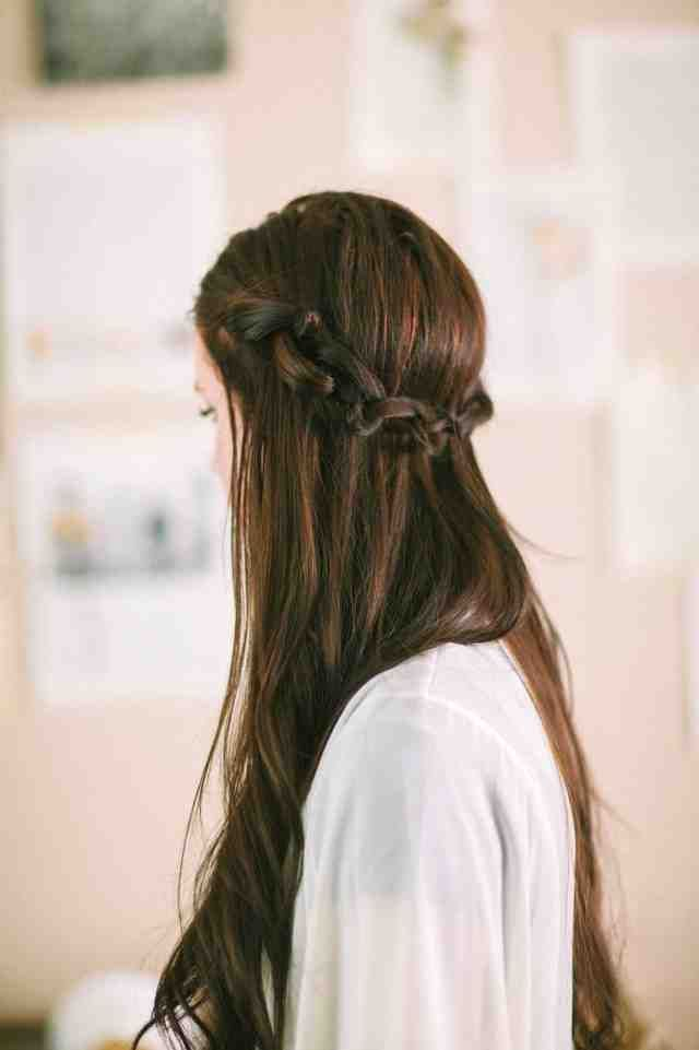 "Braiding hair for open hair – knots instead of braiding  <a class=""pintag"" href=""/explore/braiding/"" title=""#braiding explore Pinterest"">#braiding</a> <a class=""pintag"" href=""/explore/instead/"" title=""#instead explore Pinterest"">#instead</a> <a class=""pintag"" href=""/explore/knots/"" title=""#knots explore Pinterest"">#knots</a><p><a href=""http://www.homeinteriordesign.org/2018/02/short-guide-to-interior-decoration.html"">Short guide to interior decoration</a></p>"