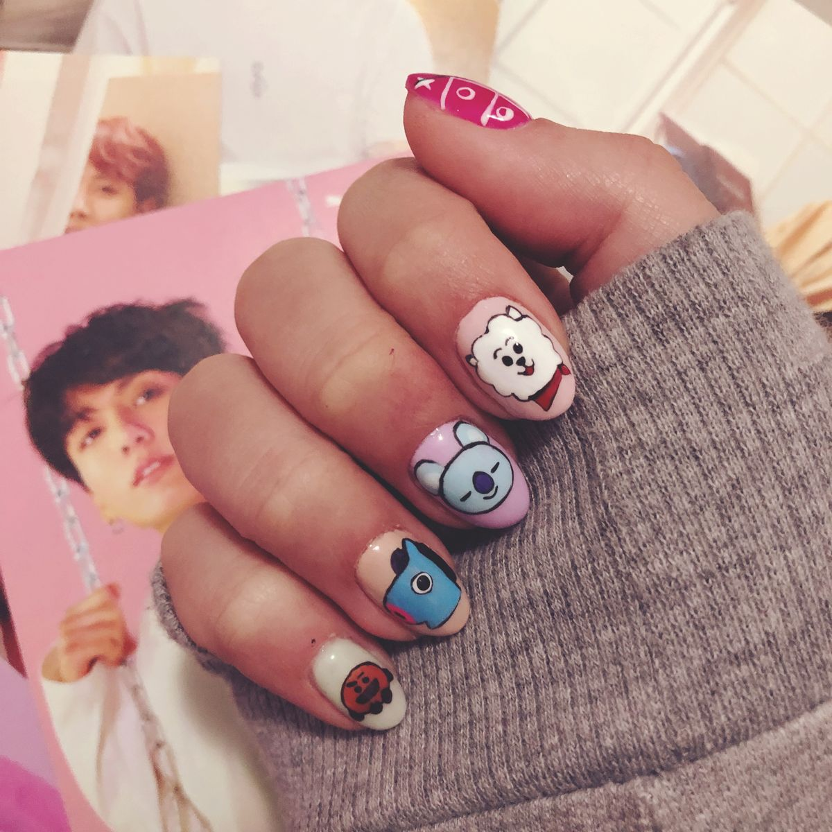 #nails #nailart #bts #bt21   I really have the best nail artist in the world. I'm in love with my new bt21 nails!