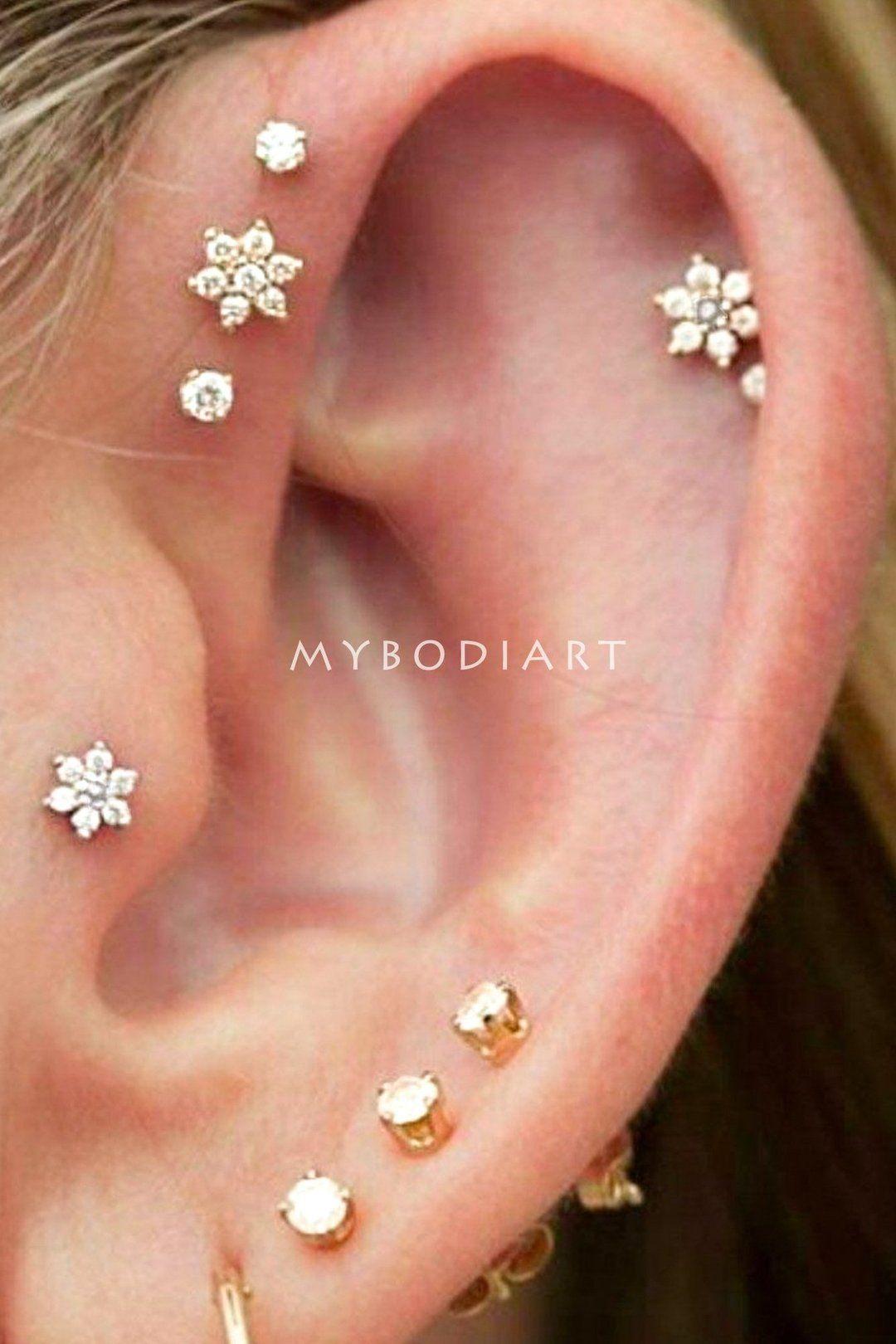 Cute Multiple Ear Piercing Ideas for Teenagers – Minimalist Classy Dainty Crystal Flower 16G Earring Stud for Cartilage, Helix, Conch, Tragus – Linda oreja múltiple Piercing Ideas para adolescentes – www.MyBodiArt.com
