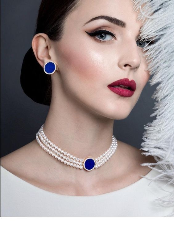 Glam accessories with pearls and some blue detail