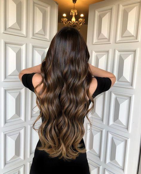 Uma Morena Iluminada 🌰 para você se inspirar!!! Deixe o seu comentário sobre este Hair! Eu leio tudinho!!! ☺️✨✨