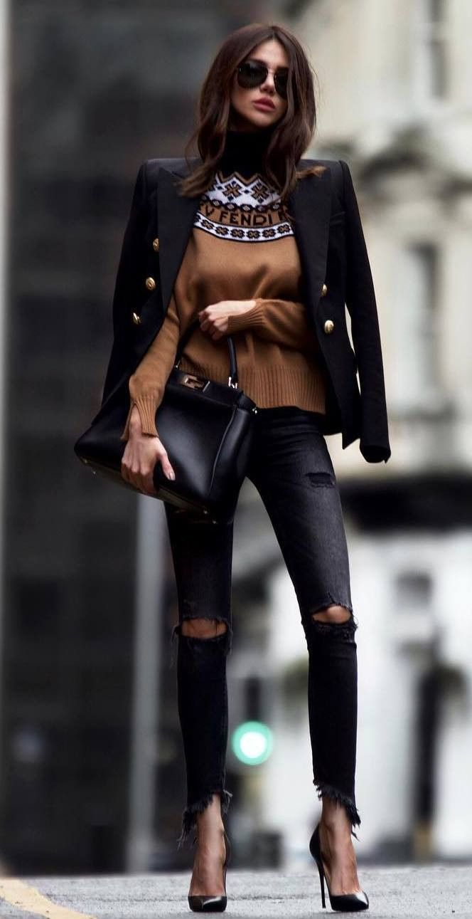 elegant outfit to try this fall / blazer sweater bag heels rips
