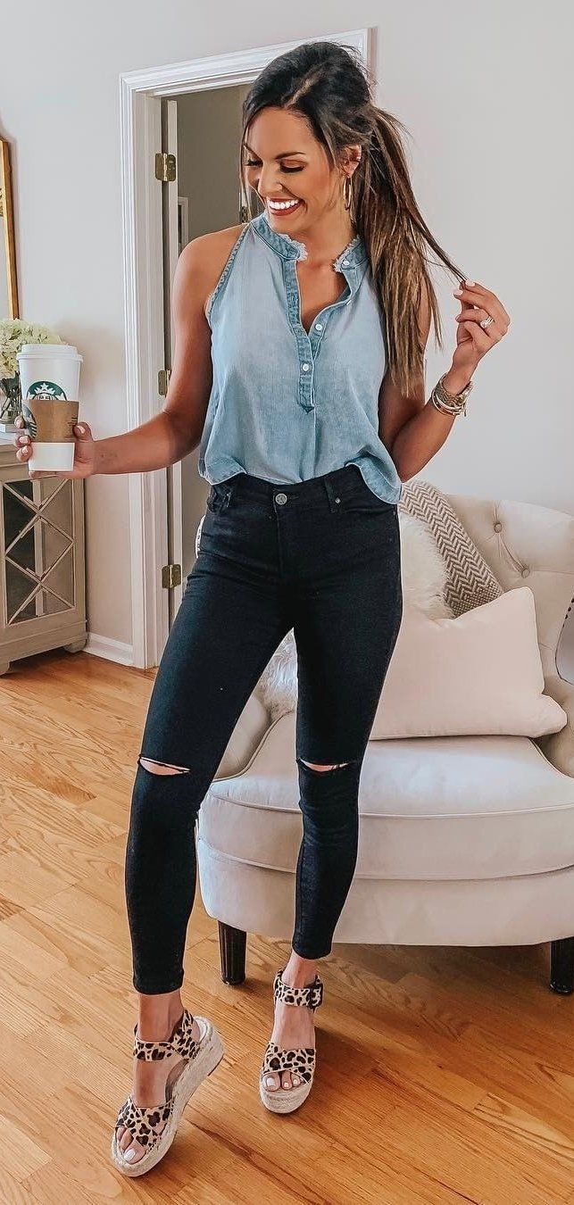 blue chambray sleeveless top and black skinny jeans #spring #outfits