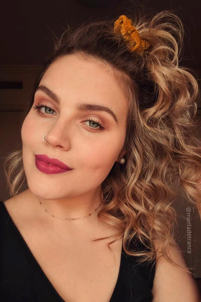 Half-Up Right From The '80s #curlyhair #easyhairstyles ★ Luckily for retro-lovers, 80s hair is the new black! So how about you to refresh your memory and start rocking one of the biggest trends of now and then? Our long crimped styles, ponytail half up ideas, and voluminous curly looks with high bangs are here to inspire you! #glaminati #lifestyle #80shair