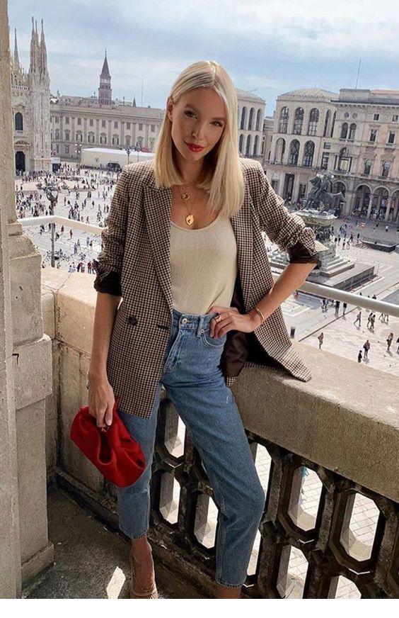 Simple casual Paris style