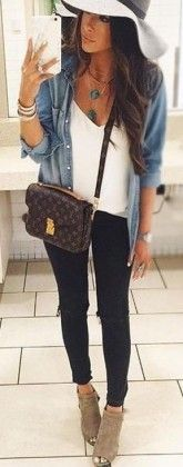 casual travel outfit / denim + white tee + black skinnies + ankle boots