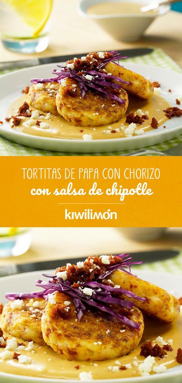 Tortitas de Papa con Chorizo con Salsa de Chipotle