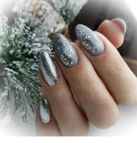 Grey nails with silver glitter for winter