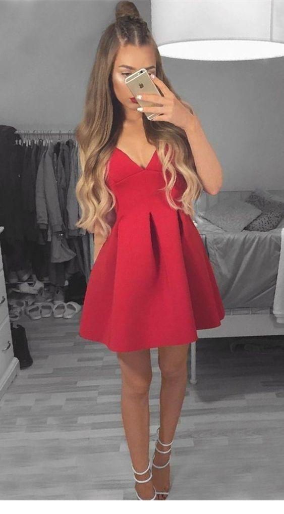 Chic red dress with a nice hairstyle