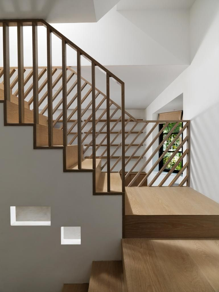 We visit Neiheiser Argyros' compact house transformation in London